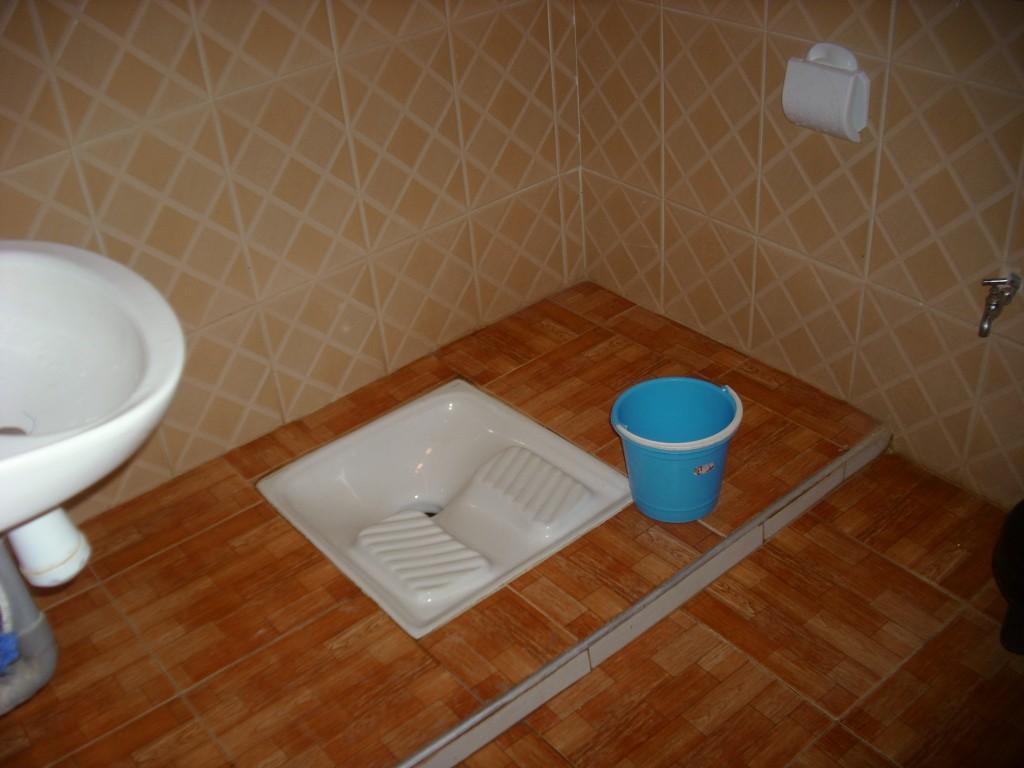 Il bagno pubblico nei locali pubblici pulizia e igiene for Pulizia bagno